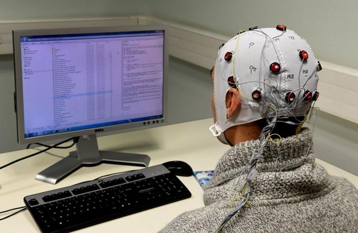 تحذير من اضطرابات دماغية خطيرة لدى مصابي كورونا