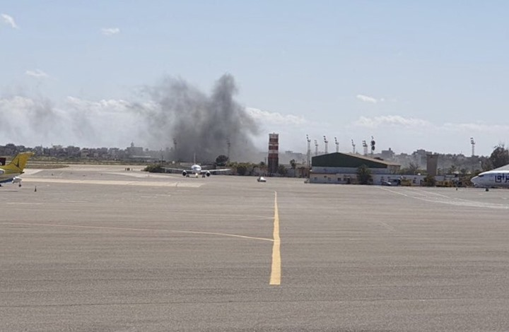 قتلى بقصف على مطار معيتيقة والوفاق تدمر إمدادات لحفتر