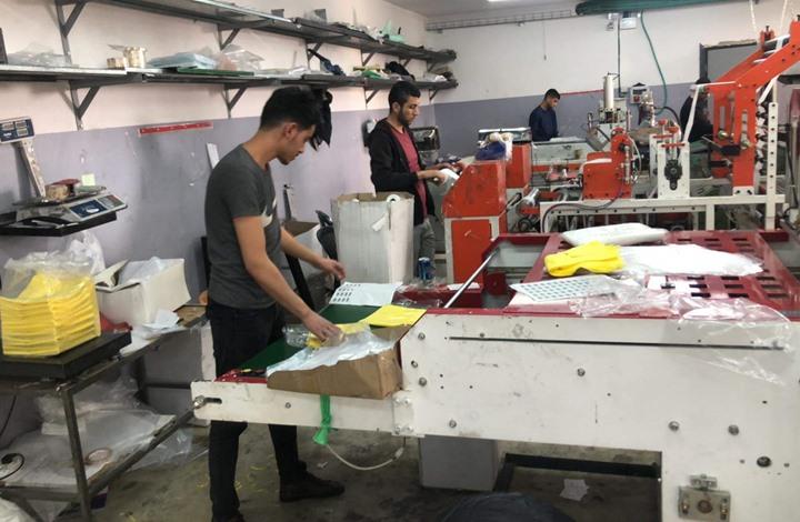 """""""كورونا"""" تعيد مصانع الخليل بالضفة المحتلة للواجهة (صور)"""
