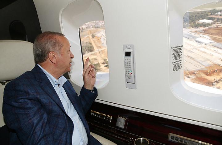 أردوغان يجري جولة جوية لتفقد مستشفيات بإسطنبول (شاهد)