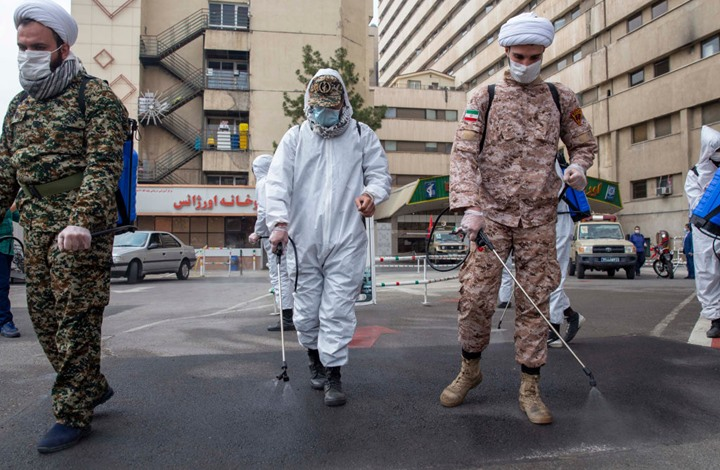 """إيران تعلن """"موجة ثالثة"""" لكورونا.. ومطالب بإعادة القيود"""