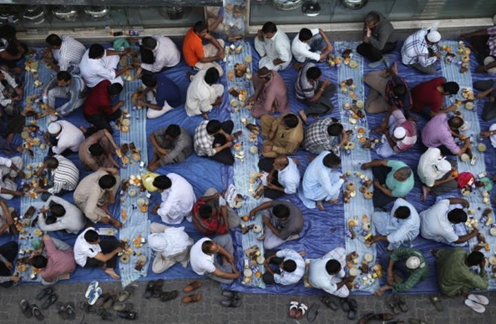 """كيف تتغلب على إجراءات """"التباعد الاجتماعي"""" في رمضان؟"""