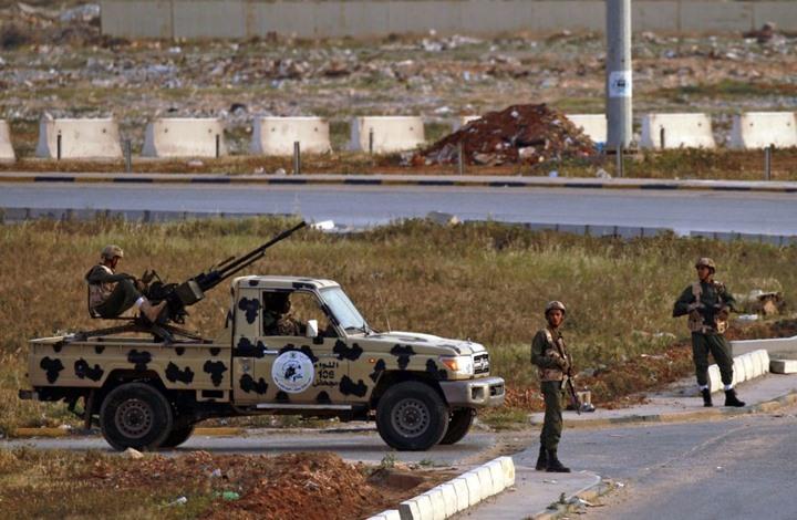 الطيران الليبي يستهدف عربات مسلحة لحفتر قرب الأصابعة