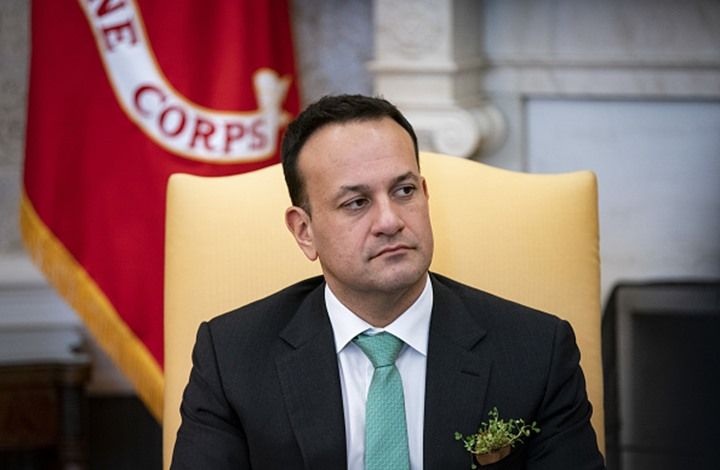 رئيس وزراء أيرلندا يعود لممارسة الطب لمكافحة فيروس كورونا