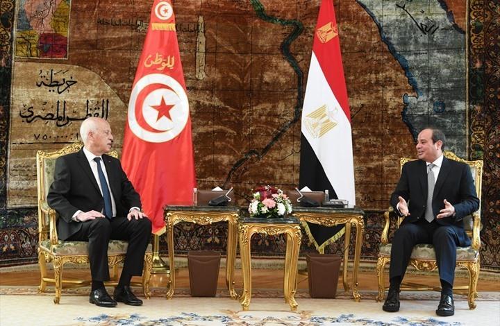 """زيارة سعيّد لمصر تثير غضبا.. والسيسي يتحدث عن """"تقارب"""""""