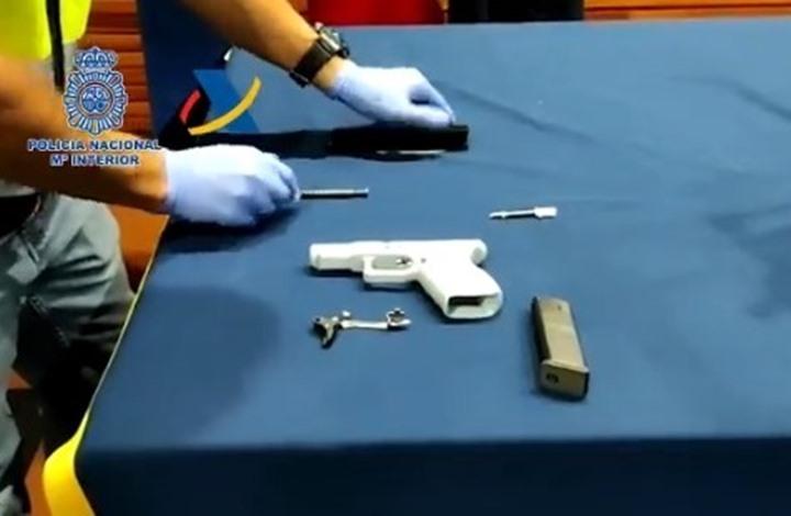 مداهمة ورشة صناعة أسلحة بطابعات ثلاثية الأبعاد في إسبانيا