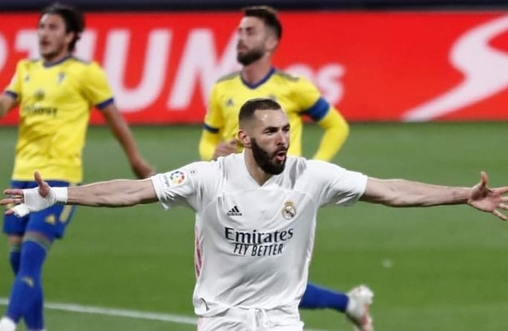 """ريال مدريد يتصدر """"الليغا"""" مؤقتا بفوز كبير على قادش"""