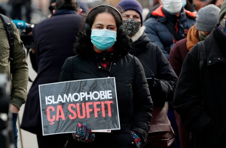 "WP: فرنسا تصر على إقصاء ""المسلمات"" بتصويت حظر الحجاب"