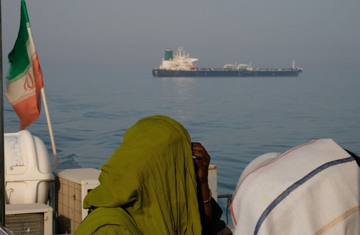 """""""يديعوت"""" تنتقد كشف مسؤولية الاحتلال عن ضرب سفينة إيرانية"""
