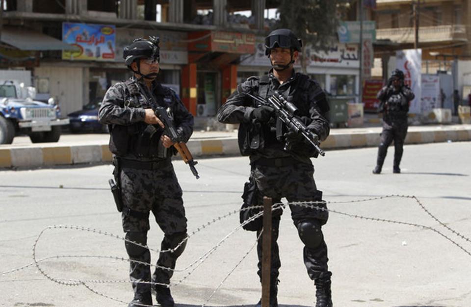 مسلحون يداهمون قرية شرقي العراق ويقتلون اثنين ويختطفون ثالثا