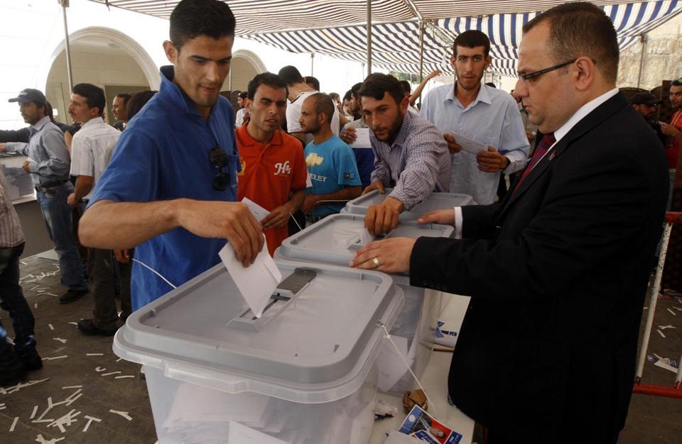 صحف إسبانية: انتخابات في سوريا لتجميل الأسد