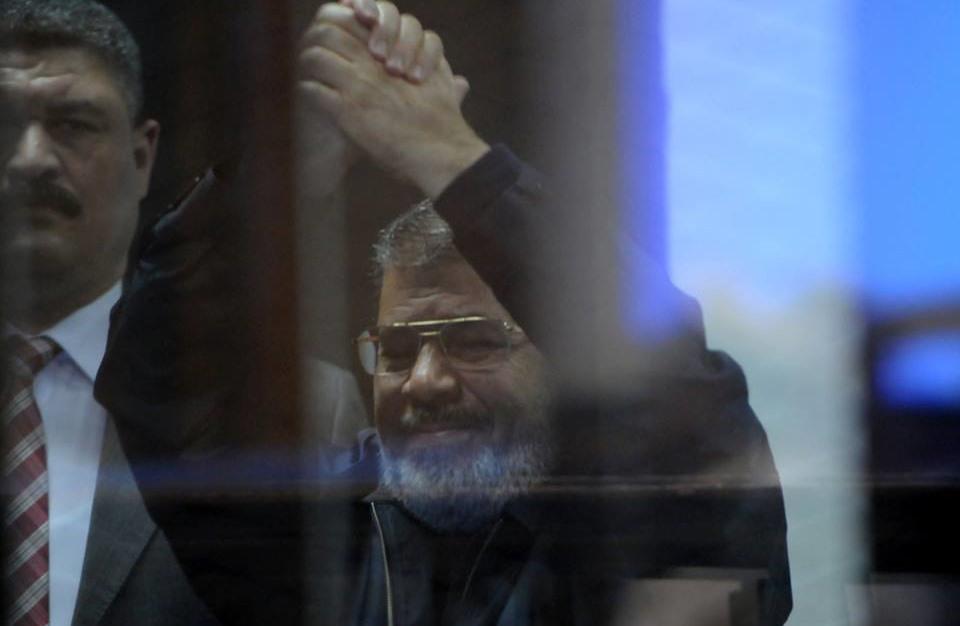 إلغاء أحكام الإعدام والمؤبد بحق مرسي و21 آخرين بقضية التخابر