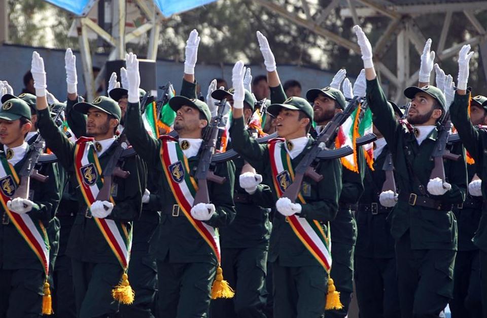 هكذا يقرأ جنرال بريطاني وقيادي سابق تدخل إيران باليمن