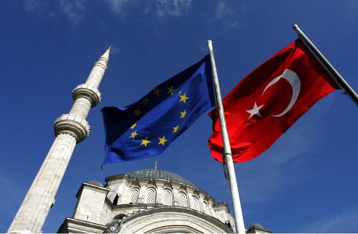 ما هي رسائل قبول الاتحاد الأوروبي بنتائج الاستفتاء التركي؟