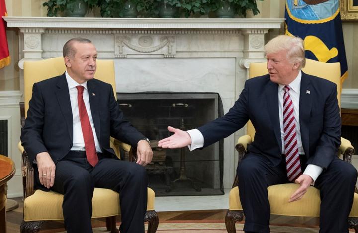 الليرة التركية ترتفع أمام الدولار بعد اتصال ترامب وأردوغان