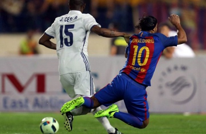 تعرف على أبرز 10 نجوم لعبوا في ريال مدريد وبرشلونة (فيديو)