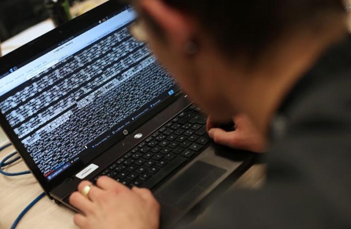 """تحذيرات من هجمات إلكترونية """"كاسحة"""" تهدد سلامة الإنترنت"""