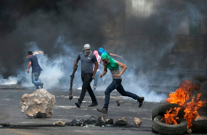 استشهاد فتى فلسطيني في الخليل برصاص الاحتلال (شاهد)