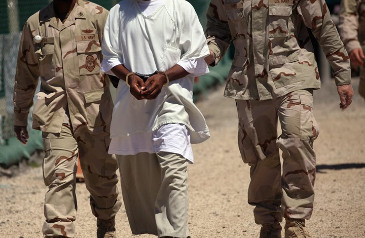 مركز أمريكي يطالب الإمارات بوقف ترحيل 18 يمنيا.. تفاصيل