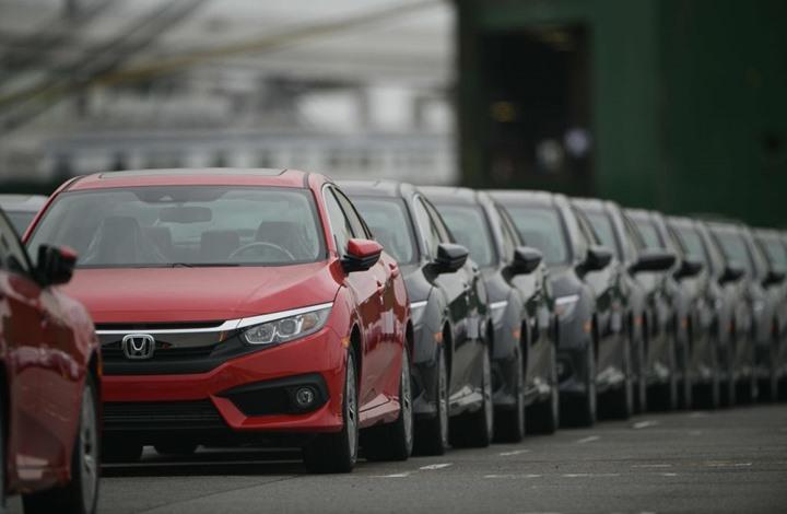 قفزة كبيرة بمبيعات السيارات في الصين.. والذهب يتراجع