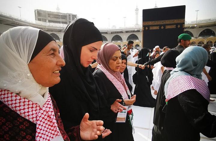 ملكة الأردن تؤدي العمرة رفقة فتيات يتيمات (شاهد)
