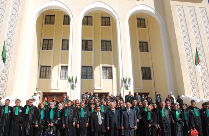 """إضراب و""""خيبة أمل"""".. هل تخلى القضاة بالجزائر عن """"الاستقلالية""""؟"""