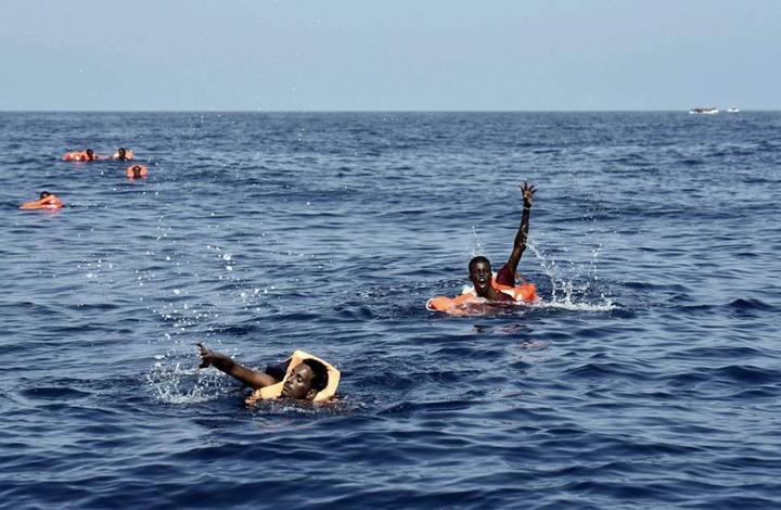 الغارديان: عشرات المهاجرين ماتوا غرقا بسبب تأخر الإنقاذ