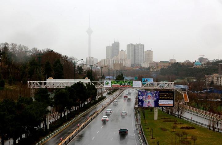 طهران تحقق بوفاة موظفة سفارة سويسرا إثر سقوطها من برج سكني