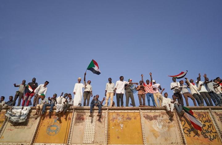 """""""الحرية والتغيير"""" تدعو لعصيان مدني بالسودان بعد تعثر التفاوض"""