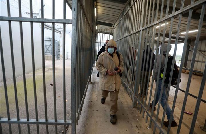 روايات توثق انتهاكات الاحتلال بحق العمال الفلسطينيين