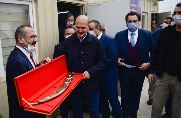وزير تركي يزور مناطق المعارضة شمال سوريا (صور)