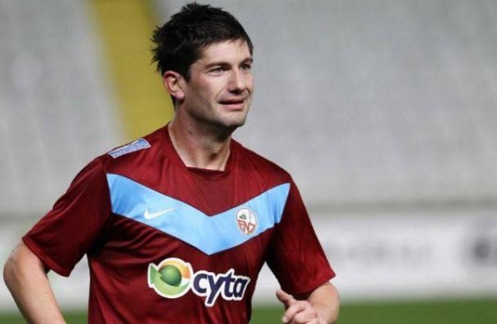 """لاعب كرة قدم  """"صربي"""" سابق ينتحر بطريقة مهولة"""
