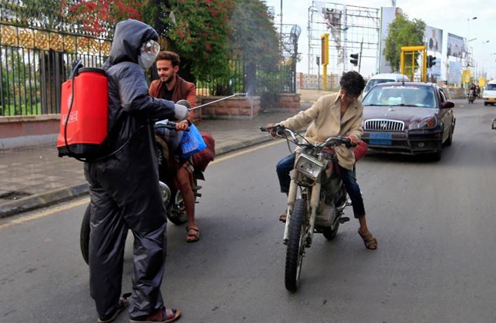"""مسؤول يمني: انتشار مرعب لـ""""كورونا"""" واتهامات للحوثي بالتكتم"""