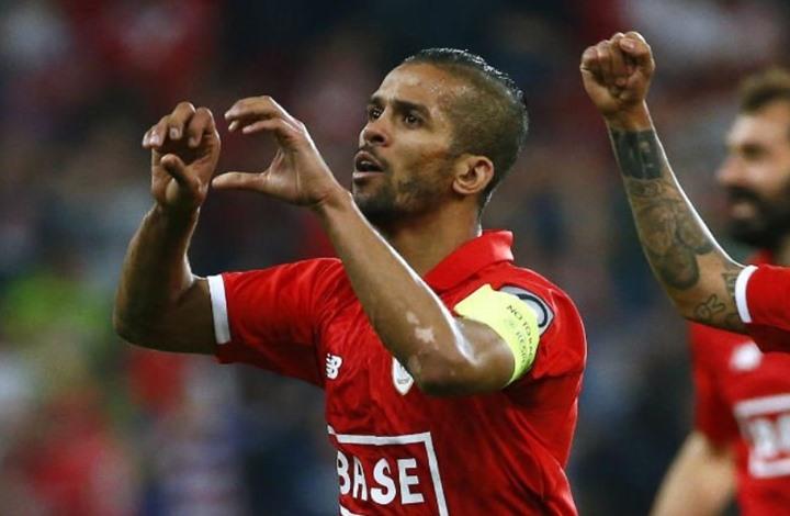 الشرطة البلجيكية تعتقل لاعبا مغربيا.. لماذا؟