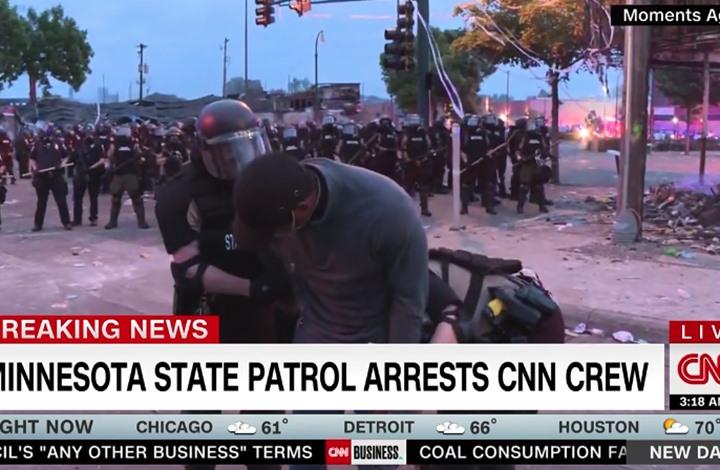 """إطلاق سراح مراسل """"CNN"""" بعد اعتقاله أثناء تغطية الاحتجاجات"""