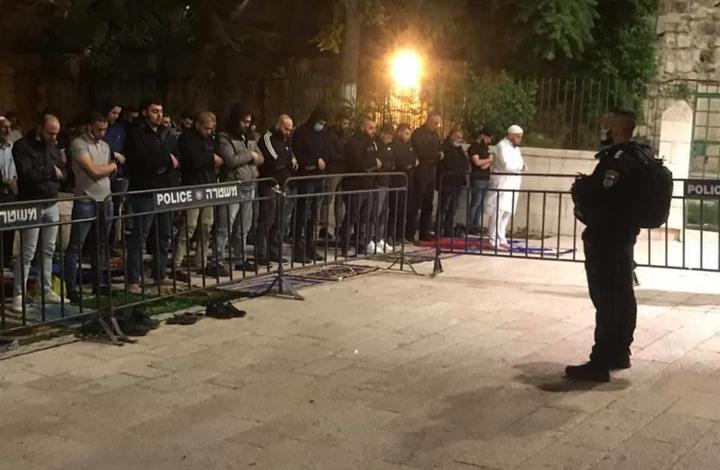 الاحتلال يواصل منع الصلاة في الأقصى ويعتقل خطيبه (شاهد)