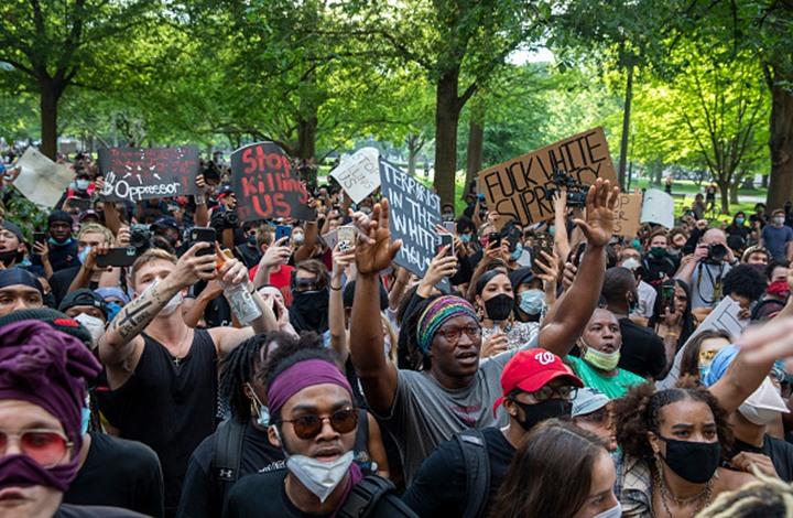 الاحتجاجات تصل العاصمة واشنطن وإغلاق البيت الأبيض (شاهد)