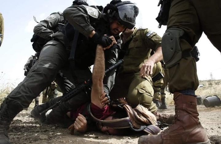 الاحتلال يشن مداهمات واعتقالات بالضفة والقدس (شاهد)