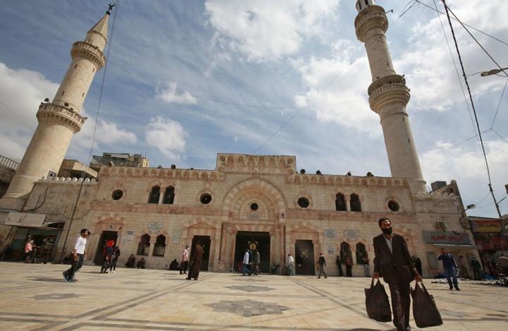 """""""موجة كورونا الثانية"""".. جدل متجدد بالأردن مع إغلاق مساجد ومدارس"""