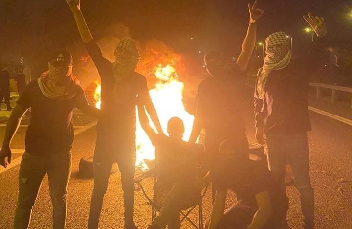 """الاحتلال يتهم 4 شبان من اللد بمحاولة """"حرق محطة شرطة"""""""