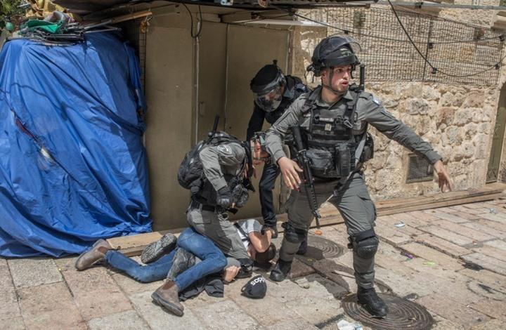 إصابة مراسلة الجزيرة بقمع الاحتلال لمقدسيين.. ودعوات للنفير