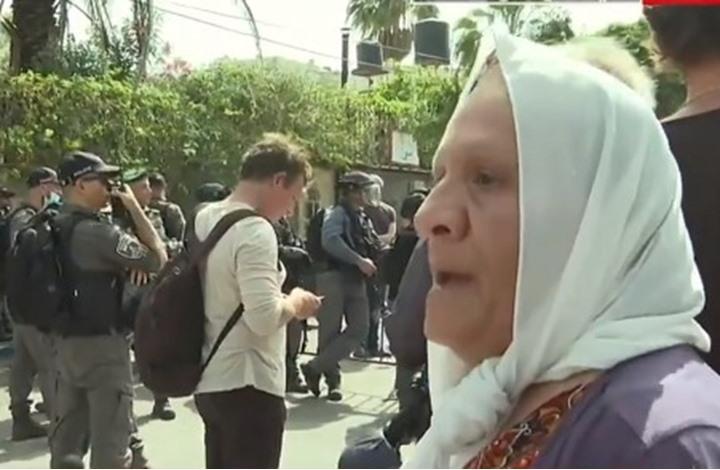 """أم سمير تتحدث لـ""""عربي21"""" عن منزلها وظروف الشيخ جرّاح"""