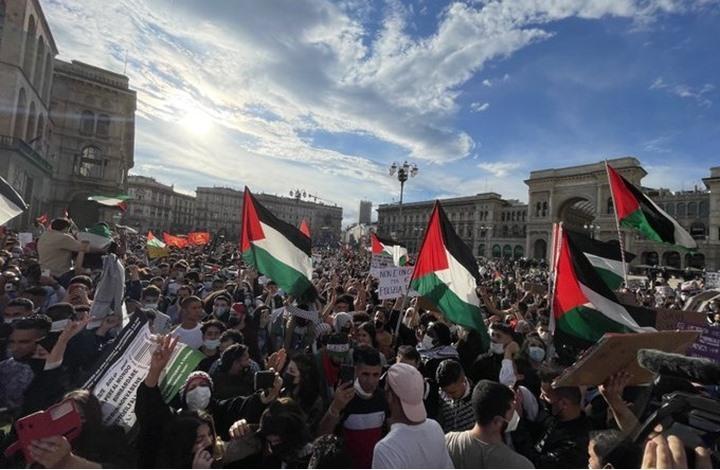 مظاهرة بميلانو الإيطالية تنديدا بجرائم الاحتلال في فلسطين