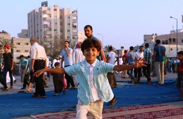 صواريخ الاحتلال تزرع الرعب بغزة وتسرق أحلام الأطفال (شاهد)