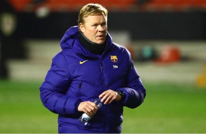 برشلونة يقرر الاستغناء عن خدمات مدربه الهولندي كومان