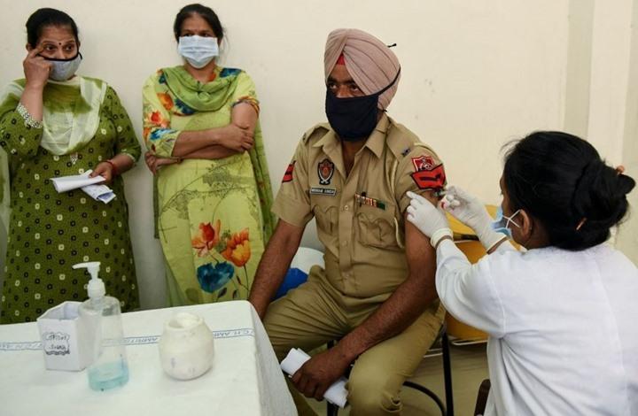 الهند تسجل نصف الإصابات بالعالم خلال أسبوع.. وبؤرة بأريافها
