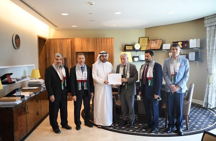 برلمان الكويت يستقبل وفدا فلسطينيا شعبيا ويؤكد دعم قضيتهم
