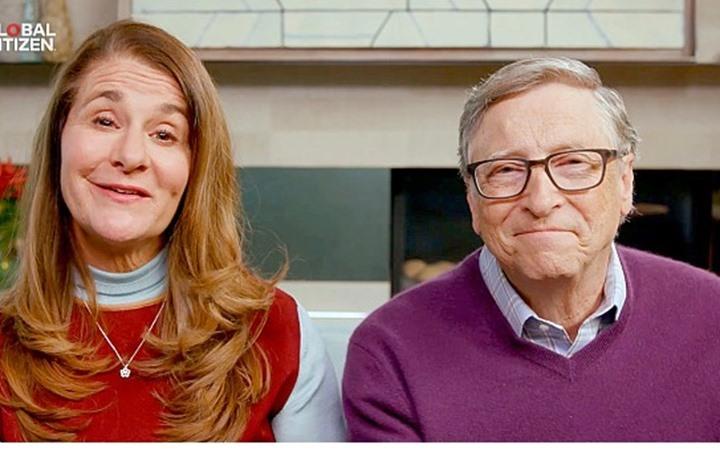 بيل غيتس ينفصل عن زوجته بعد زواج دام 27 عاما