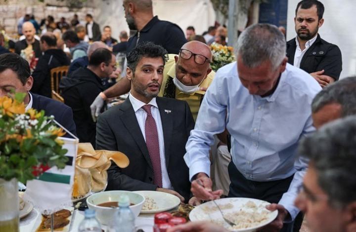 سفير الإمارات بتل أبيب يتجاهل أحداث القدس ويكثّف التّطبيع