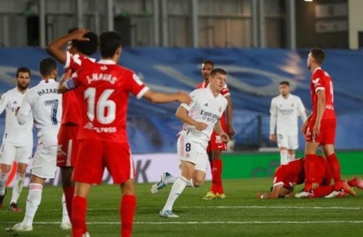 """تعادل ريال مدريد مع إشبيلية يشعل المنافسة على لقب """"الليغا"""""""